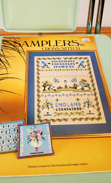 SAMPLERS IN CROSS STITCH 1982 (M.N)
